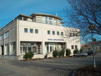 Geschäftshaus Lerchensangstrasse 13